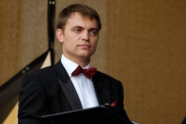 Дирижер Сергей Пащенко